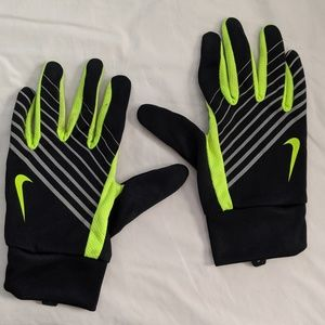 NWOT NIKE DRI FIT Athletic Gloves